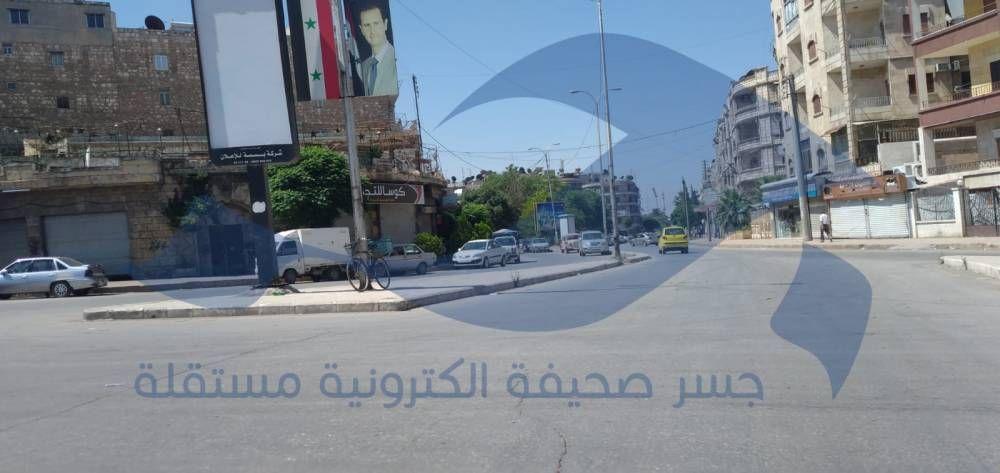 انهيار الليرة يتسبب بأزمة أدوية ويوقف الحركة التجارية في حلب