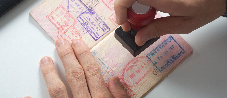 بينها سوريا.. الإمارات تعلّق منح مواطني 13 دولة تأشيرات الدخول إليها