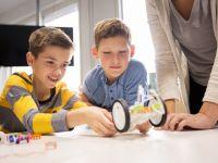 كيف تجعل من طفلك مبتكراً رائداً في المشاريع العملاقة؟