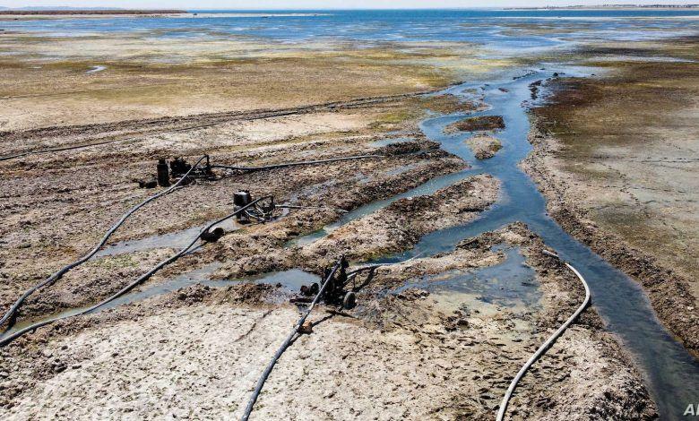 الجفاف قادم.. صور أقمار صناعية تكشف انخفاضاً مخيفاً لمنسوب مياه نهر الفرات