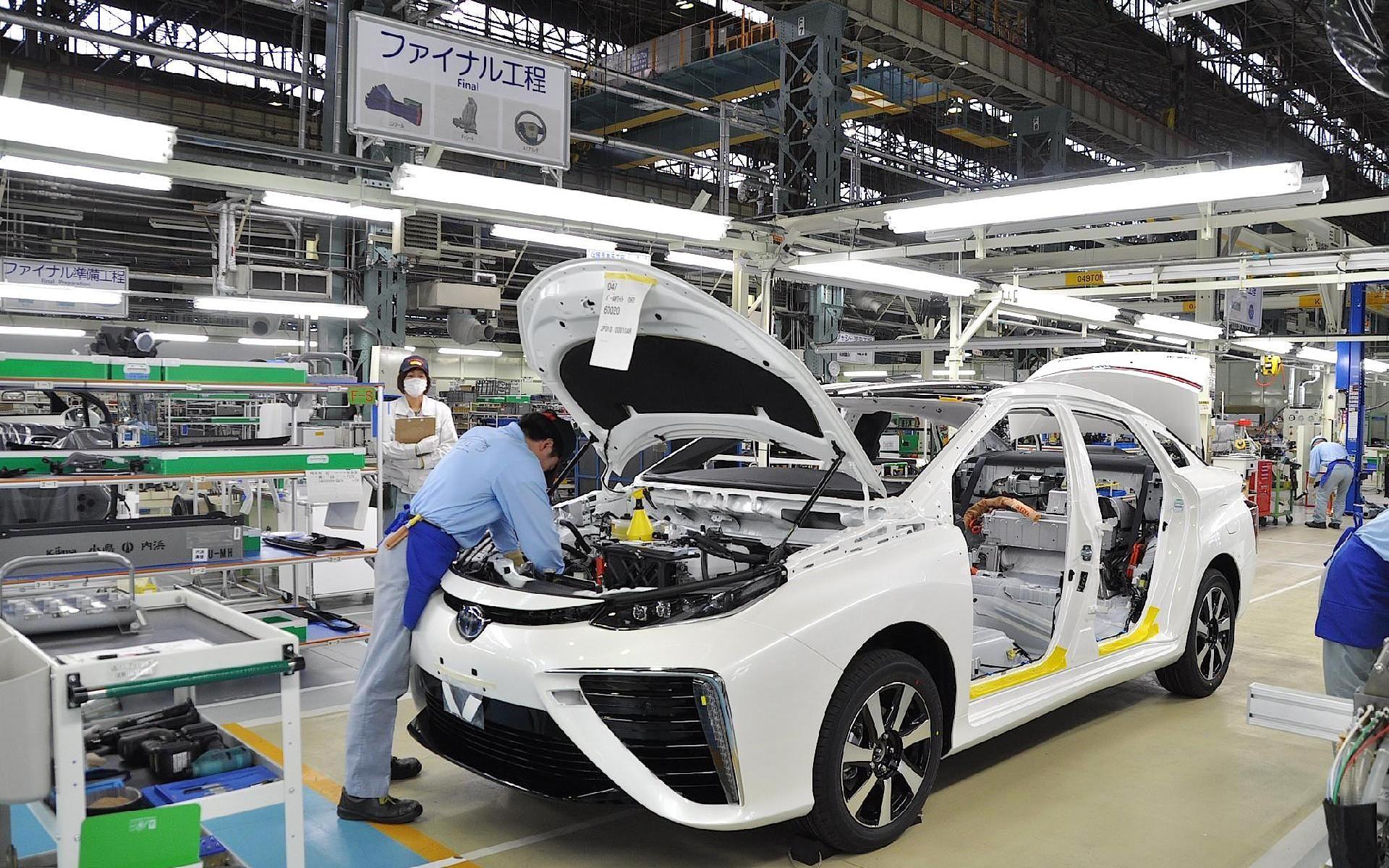 أزمة الرقائق ستلتهم 210 مليارات دولار من إيرادات شركات السيارات في 2021